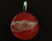 Detroit Red Wings Glass Pendant