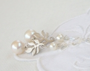 Pearl and Branch Lariat