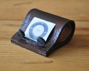 iPod Mini Leather Stand
