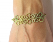 Tatted Motif Bracelet-green