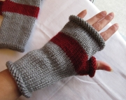 Knitted Fingerless MittensGrey