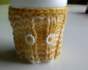 Knitted Cup Cozy in Yellows