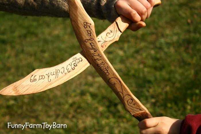 Boys Wooden Aragorn Dagger Lord of the Rings Wooden Sword Toy Movie ...