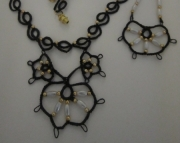 ELEGANT TATTED NECKLACE AND EARRING SET