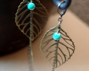 Lightweight Dangling Leaf Earrings