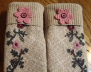 Felted Wool Driving Mittens Beige Embroidered Pink Flowers Leather Hearts Recycled Upcycled Repurpos