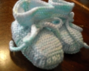 Stay-on Baby Booties - Size 0-3 Month - Soft Blue, Green and White
