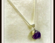 Small Purple Stone Pendant Necklace