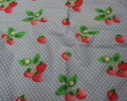 Fitted Flannel Crib Sheet - Strawberries