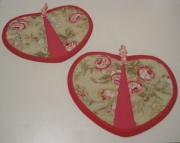 Green Floral Heart Potholders