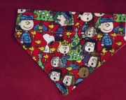 Peanuts Holiday Over the Collar Bandana-m