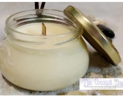 Jasmine Scented Soy Wax Candle / Wood Wick / Crackle Wick / 9oz