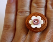 Ring Wood White Flower Pink Button